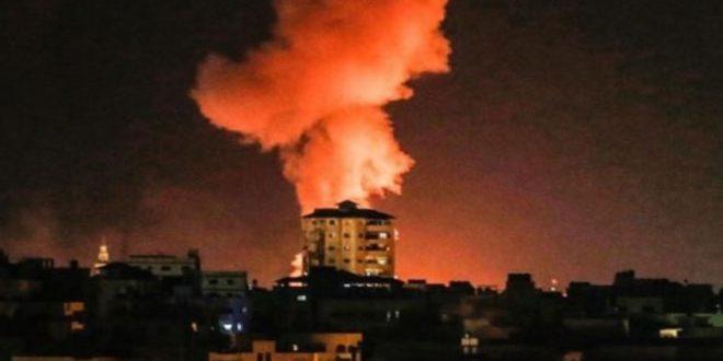 L'aviation de l'occupation renouvelle son attaque contre la bande de Gaza assiégée