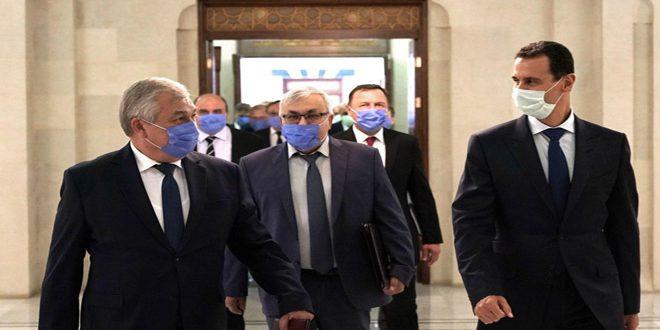 Cumhurbaşkanı Beşşar el Esad bugün, Rusya Başkanı Vladimir Putin'in Suriye'ye özel temsilcisi Alexander Lavrientev, Rusya Dışişleri Bakanı Yardımcısı Sergey Verşinin'i ve onlara eşlik eden heyetini kabul ediyor